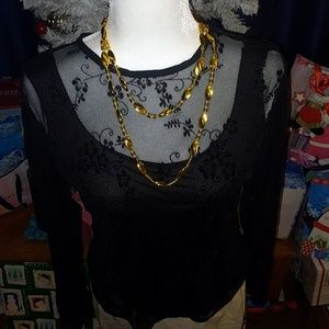 Black blouse (3 listed items for 15$)